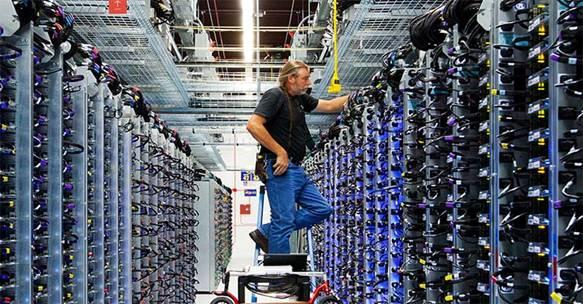 关键负载是指构成it业务架构的所有it硬件组件:服务