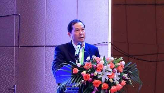 资兴成功举办首届中国・东江湖绿色数据谷高峰论坛暨第二届大数据