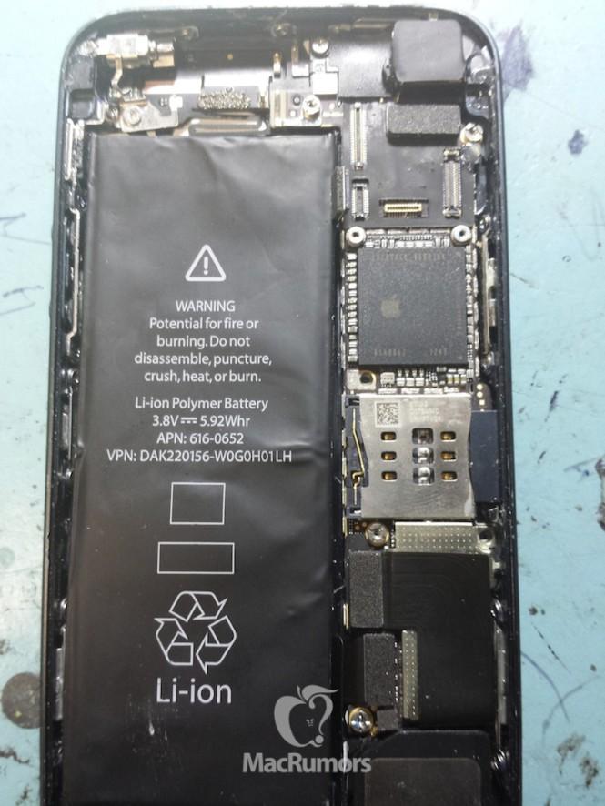 苹果iPhone 5S 背板与内部构造一览无遗